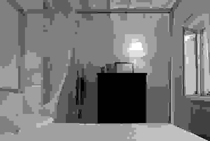 Appartamento settecentesco Torino con3studio Camera da letto minimalista Bianco