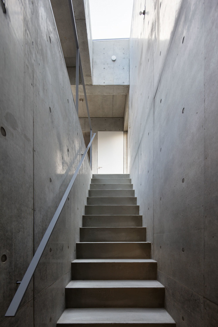 house-T オリジナルスタイルの 玄関&廊下&階段 の 株式会社CAPD オリジナル コンクリート