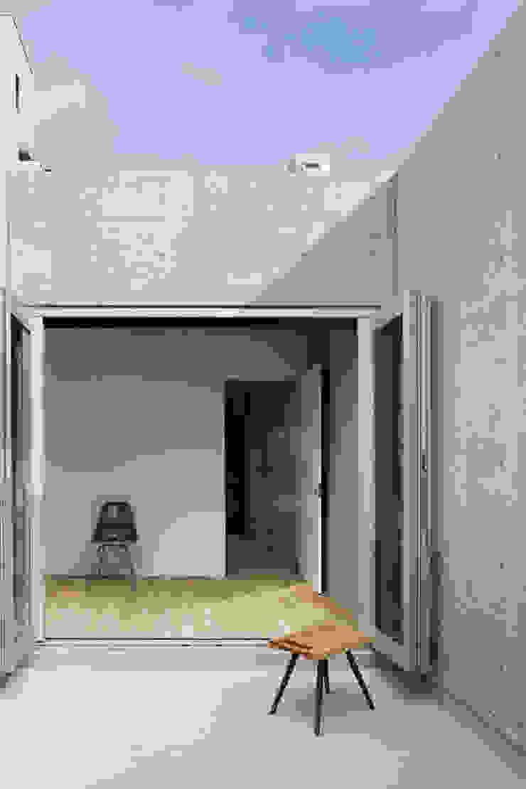house-T オリジナルデザインの テラス の 株式会社CAPD オリジナル コンクリート