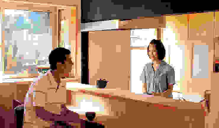 Кухня в классическом стиле от 株式会社粋の家 Классический Дерево Эффект древесины