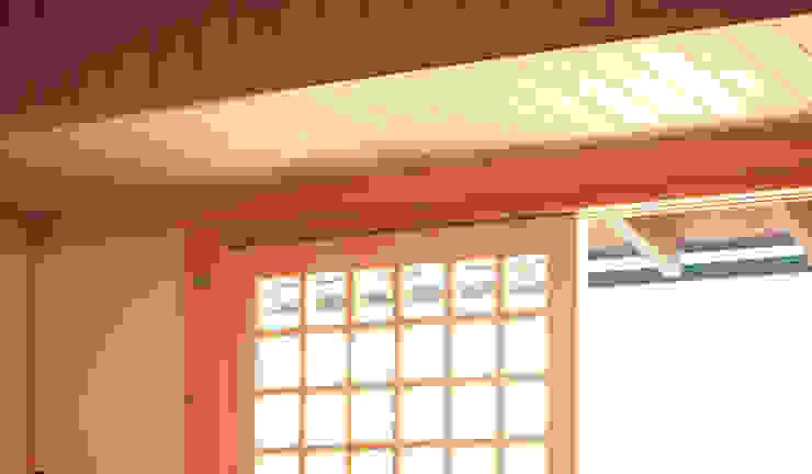 Окна и двери в классическом стиле от 株式会社粋の家 Классический Дерево Эффект древесины