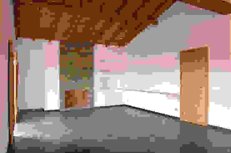 Phòng ăn phong cách mộc mạc bởi BL Design Arquitectura e Interiores Mộc mạc