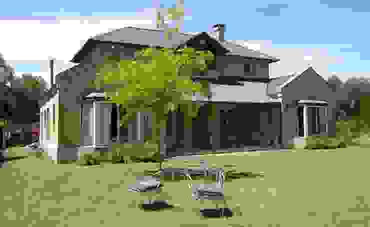 Jardín trasero โดย Radrizzani Rioja Arquitectos คลาสสิค คอนกรีต