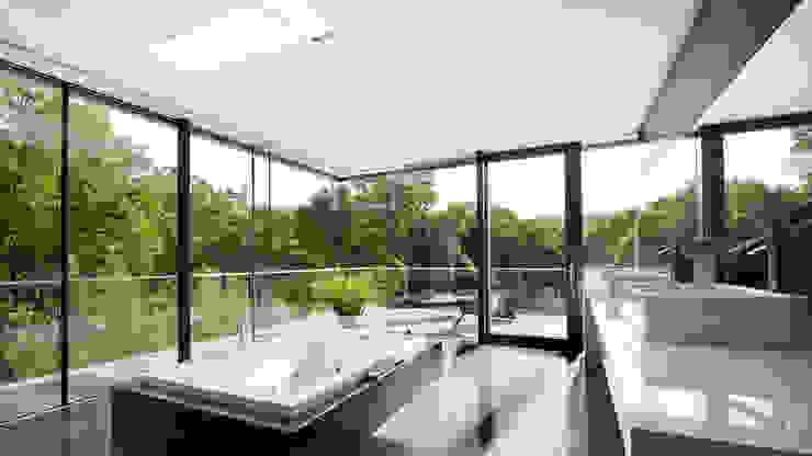 Baños de estilo moderno de WUNSCHHAUS Moderno