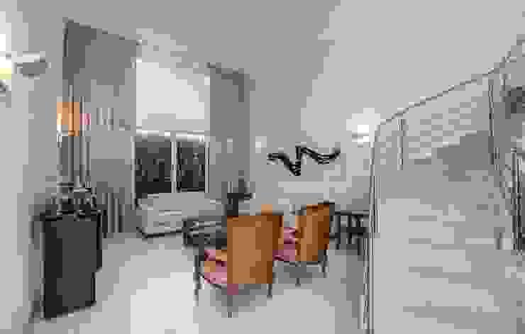 Living Salas de estar modernas por aei arquitetura e interiores Moderno