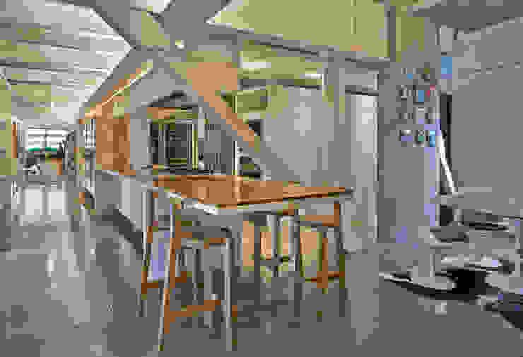 Cozinha Cozinhas minimalistas por Piratininga Arquitetos Associados Minimalista