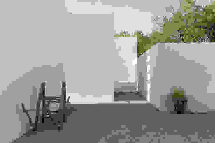 من atelier Rua - Arquitectos بحر أبيض متوسط
