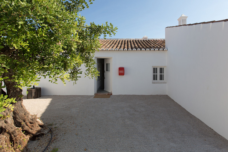 Case in stile mediterraneo di atelier Rua - Arquitectos Mediterraneo