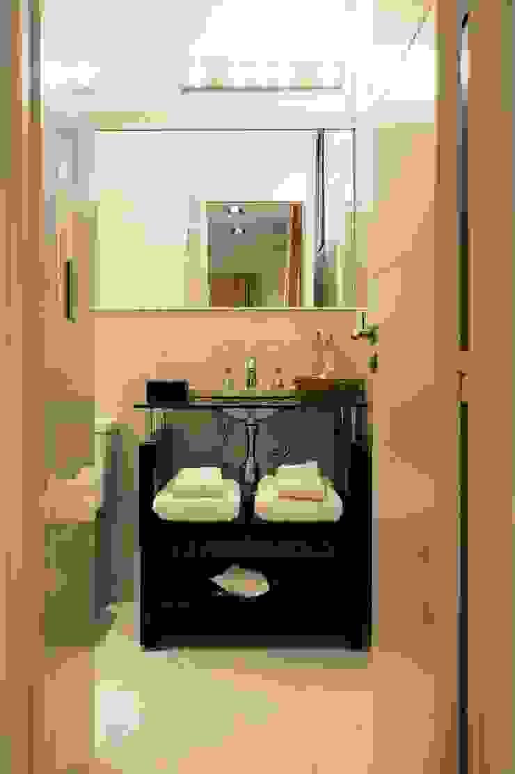 CAPÓ estudio Hoteles de estilo moderno