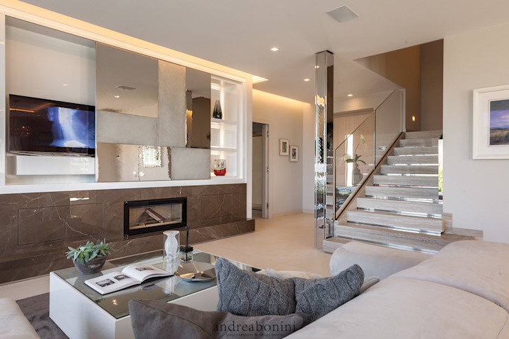 Ruang Keluarga Modern Oleh Andrea Bonini luxury interior & design studio Modern