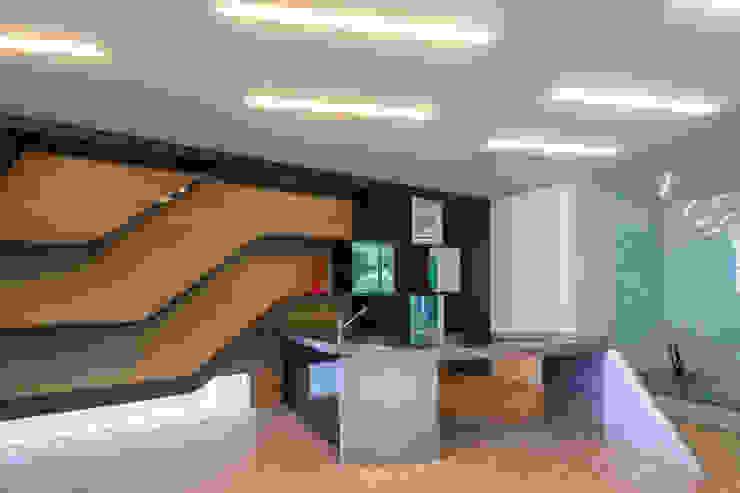 現代廚房設計點子、靈感&圖片 根據 田中一郎建築事務所 現代風 金屬