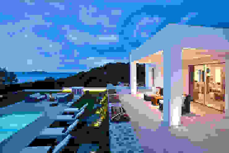 Mediterranean style houses by ANTONIO HUERTA ARQUITECTOS Mediterranean