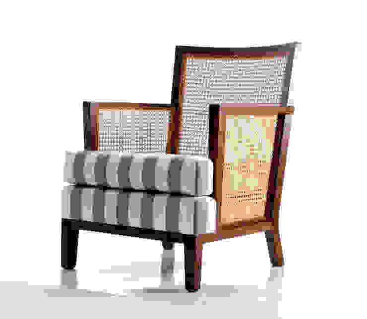 Poltrona REINA por LLUSSÁ Mobiliário de design Moderno Madeira maciça Multi colorido