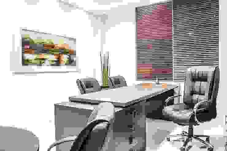 Gabinete Diretoria 1 por Enjoy Casa & Escritório Moderno