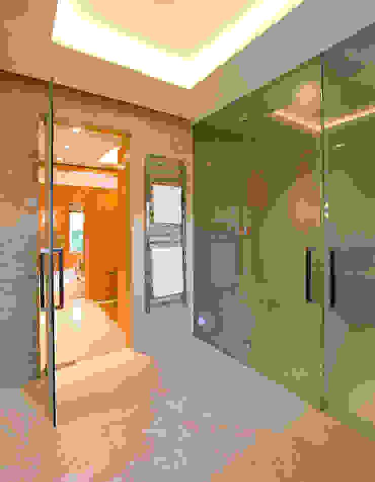Large frameless glass doors Ion Glass 牆面 玻璃