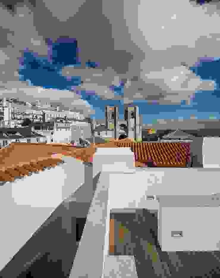 Edifício Chinesas Milagrosas - Vista do terraço Varandas, marquises e terraços modernos por Posto9 Arquitectos Moderno