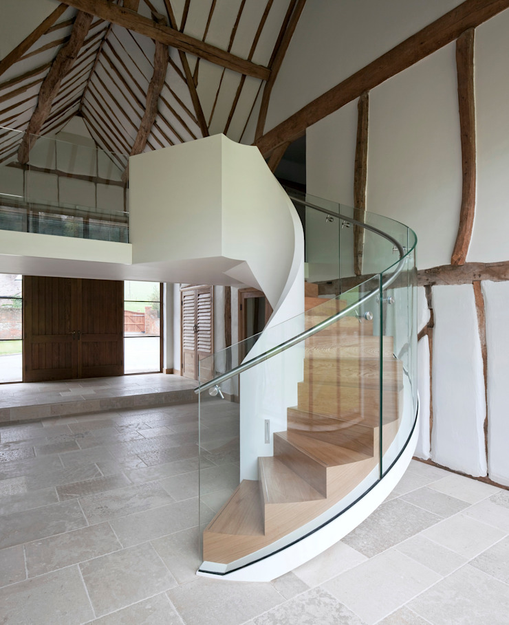 EeStairs® Wenteltrappen Moderne gangen, hallen & trappenhuizen van EeStairs | Stairs and balustrades Modern Glas