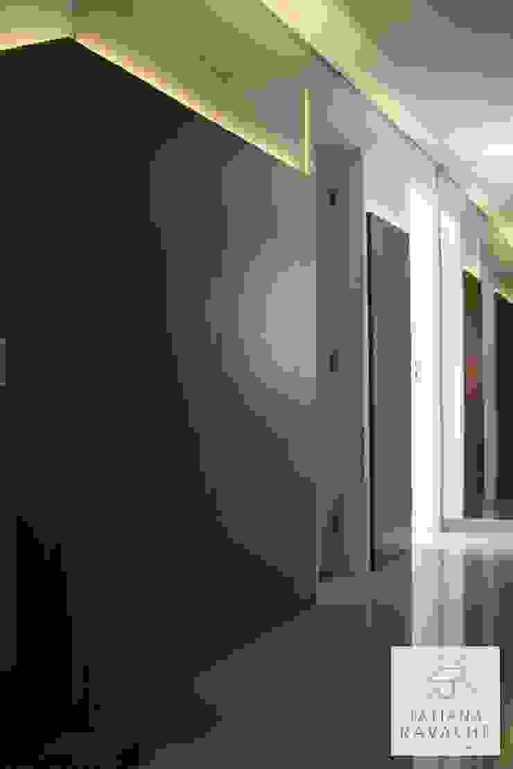 Circulação Corredores, halls e escadas modernos por Tatiana Ravache Arquitetura Moderno MDF
