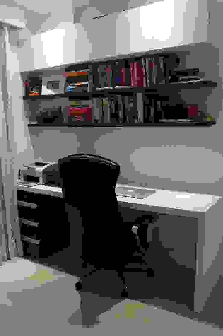 Apartamento Charitas – Niterói – RJ – 2014 Escritórios modernos por Catharina Quadros Arquitetura e Interiores Moderno