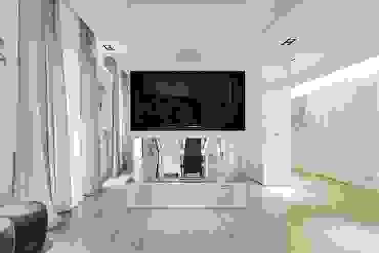 UN APPARTAMENTO D'ELITE Sala multimediale moderna di SERENA ROMANO' ARCHITETTO Moderno
