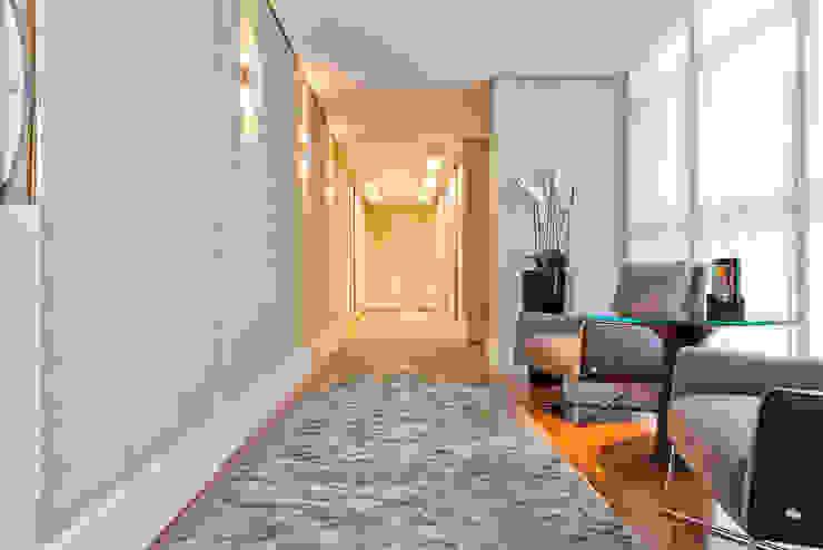 Corredor Corredores, halls e escadas modernos por Yara Mendes Arquitetura e Decoração Moderno