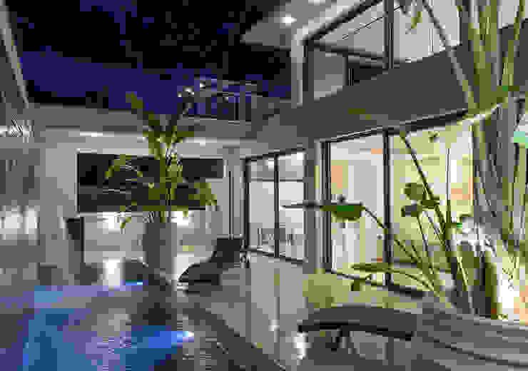 Villa GP Spa moderne par frederique Legon Pyra architecte Moderne