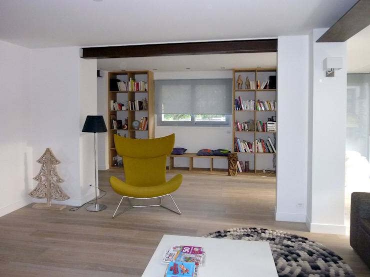 Olivier Stadler Architecte Modern living room Wood Wood effect