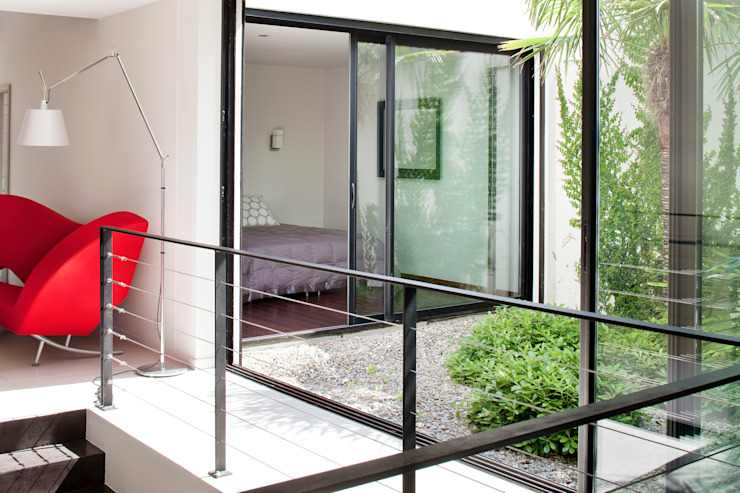 Villa C1 Jardin d'hiver moderne par frederique Legon Pyra architecte Moderne
