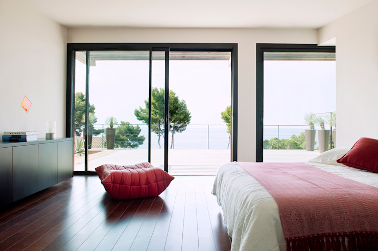 Modern style bedroom by frederique Legon Pyra architecte Modern
