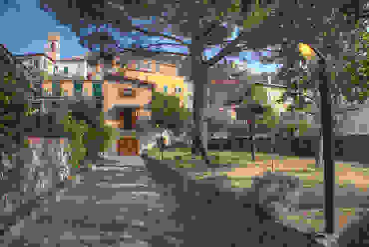 Rustic style house by Emilio Rescigno - Fotografia Immobiliare Rustic