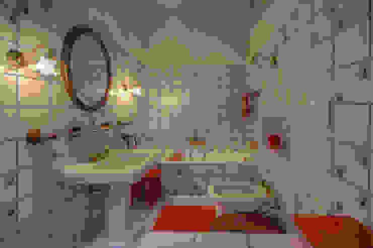 Baños de estilo rústico de Emilio Rescigno - Fotografia Immobiliare Rústico