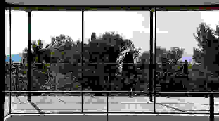 frederique Legon Pyra architecte Modern balcony, veranda & terrace
