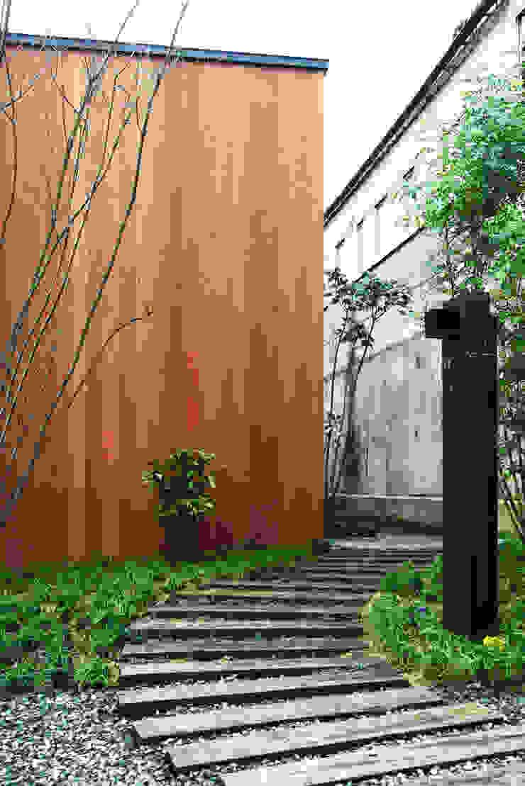 House in Yamatokoriyama モダンな 家 の Mimasis Design/ミメイシス デザイン モダン