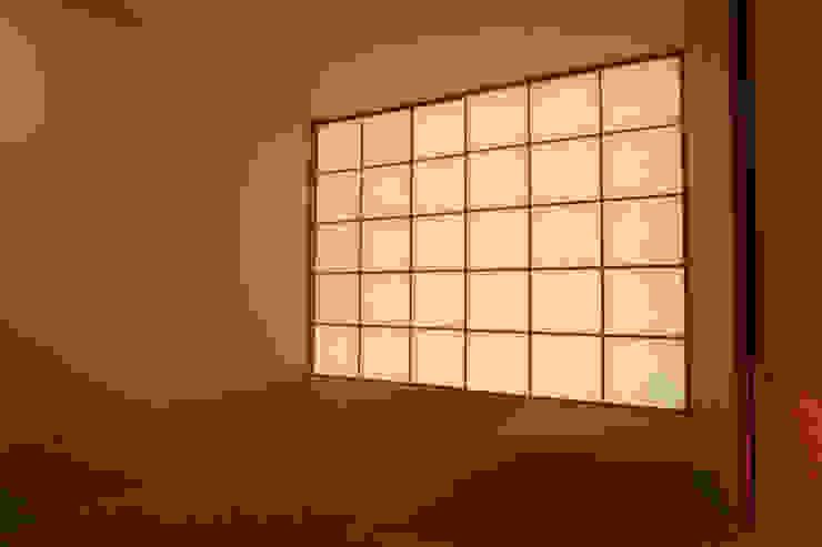 和室 モダンデザインの 多目的室 の Mimasis Design/ミメイシス デザイン モダン