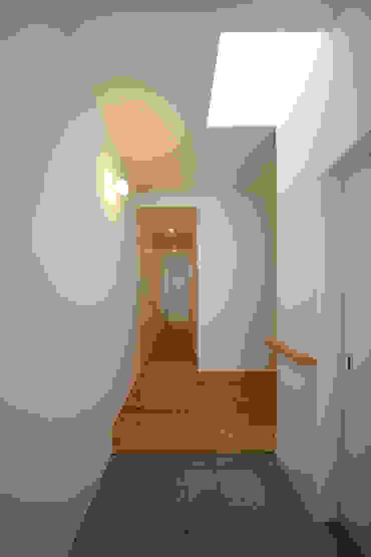 玄関 モダンスタイルの 玄関&廊下&階段 の Mimasis Design/ミメイシス デザイン モダン