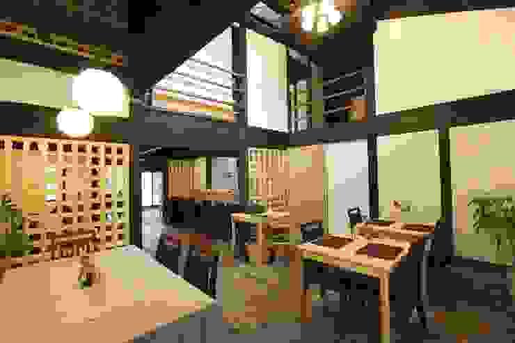 Café 吹抜け モダンデザインの 多目的室 の 一級建築士事務所 さくら建築設計事務所 モダン