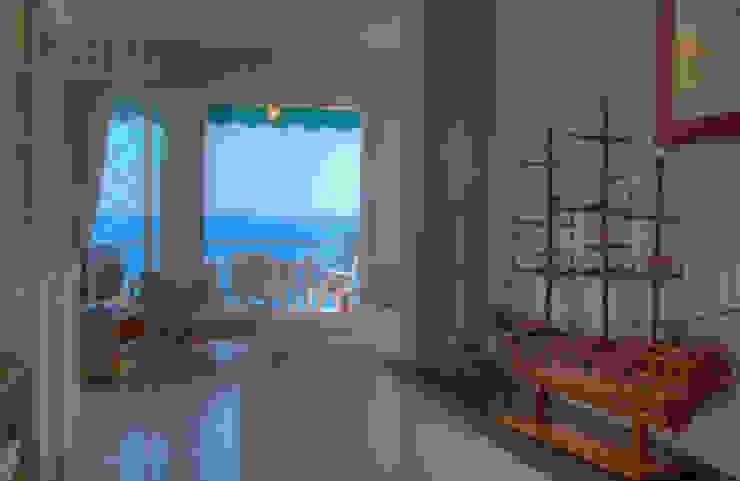 Emilio Rescigno - Fotografia Immobiliare Pasillos, vestíbulos y escaleras de estilo mediterráneo