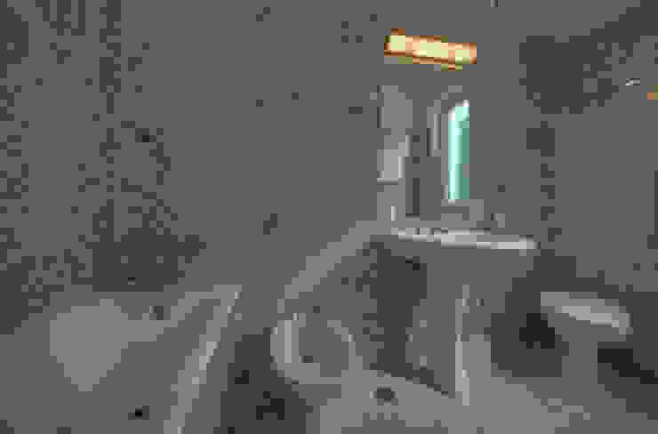 Emilio Rescigno - Fotografia Immobiliare Mediterranean style bathrooms