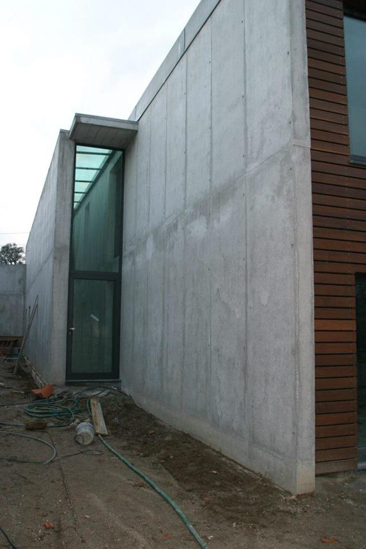 Private house building in Lousada (Portugal) Casas modernas por Dynamic444 Moderno Betão
