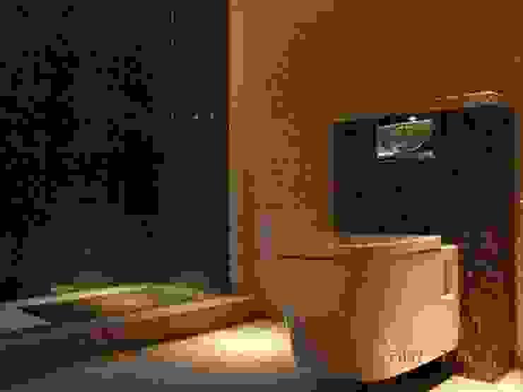 Private house building in Lousada (Portugal) Casas de banho modernas por Dynamic444 Moderno