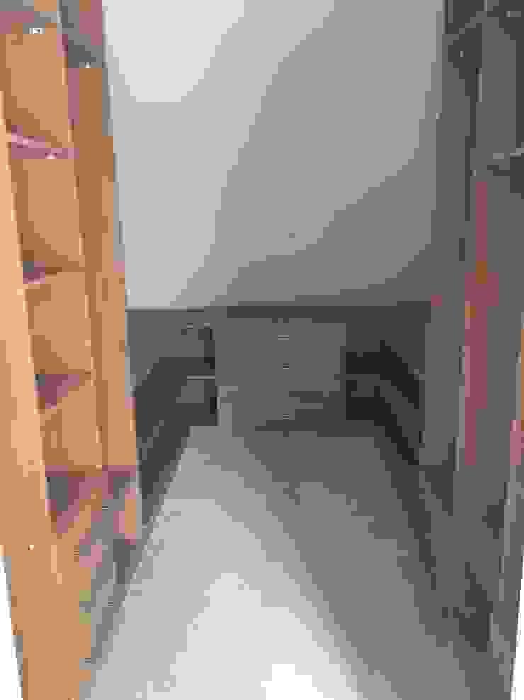 Piwko-Bespoke Fitted Furniture ห้องนอนWardrobes & closets แผ่นไม้อัด Wood effect
