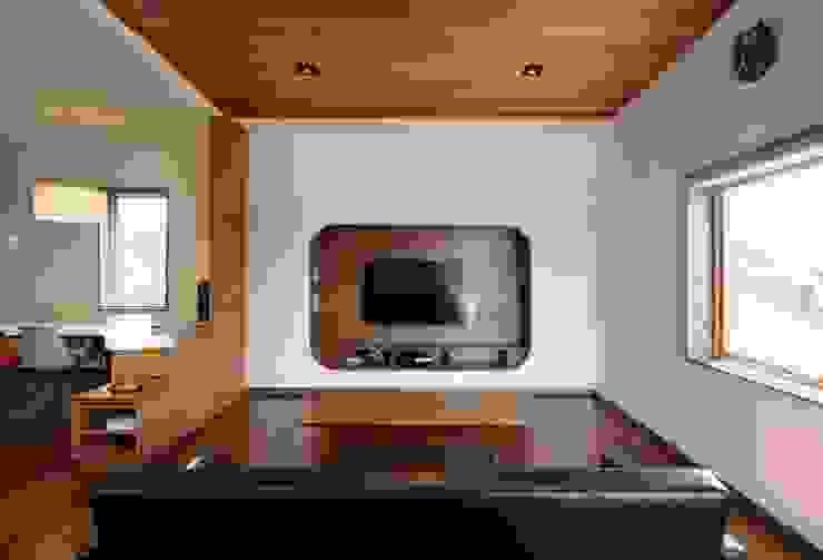 Uwano House オリジナルデザインの リビング の 株式会社シーンデザイン建築設計事務所 オリジナル