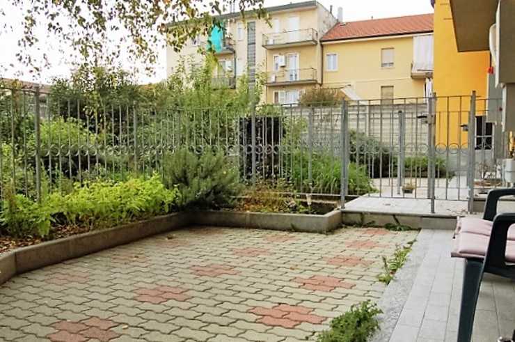 Jardines de invierno de estilo moderno de ATELEON Moderno