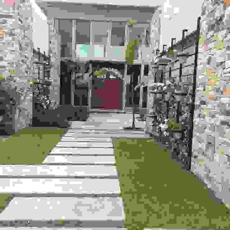 un jardin impactante: Jardines de estilo  por BAIRES GREEN