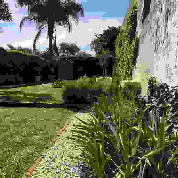 BAIRES GREEN Moderner Garten