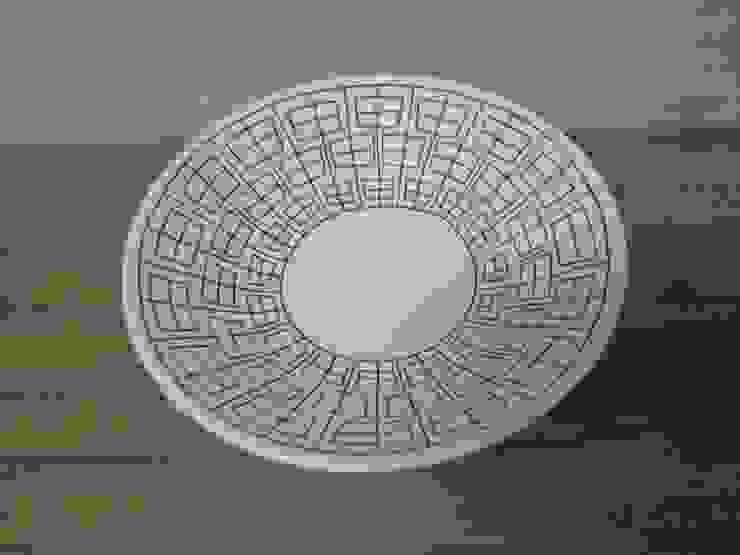 申つなぎ紋中鉢: 勝村顕飛が手掛けたアジア人です。,和風 磁器