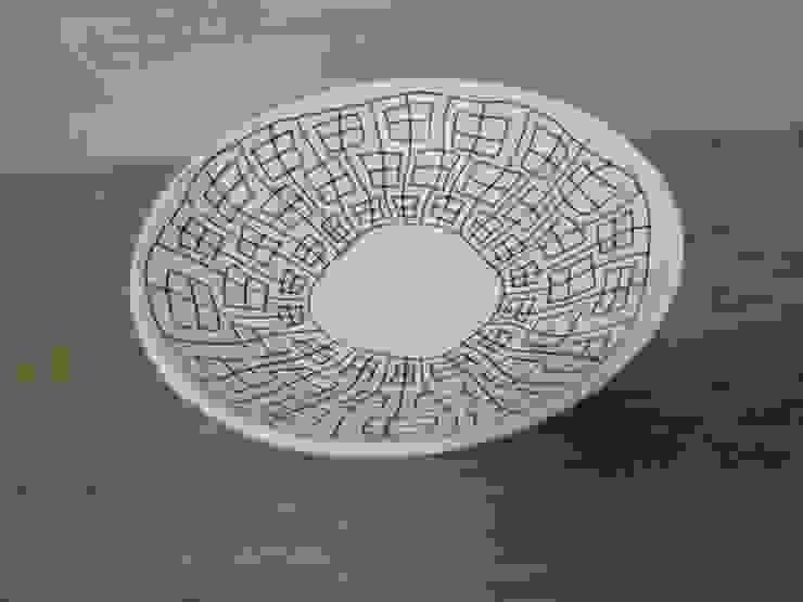 揺らぎ申つなぎ紋中鉢: 勝村顕飛が手掛けたアジア人です。,和風 磁器