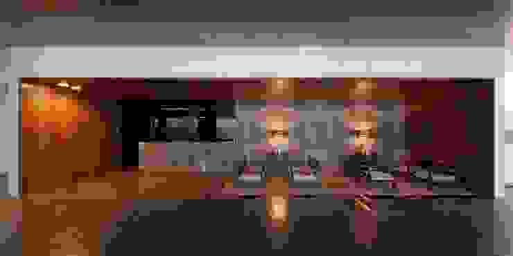 MitPenha: Salas de jantar  por Atelier fernando alves arquitecto l.da,Moderno