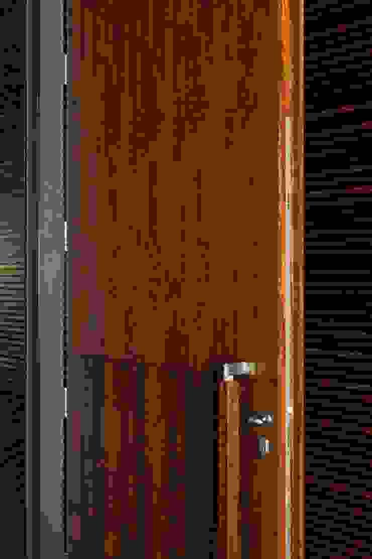 MitPenha Janelas e portas modernas por Atelier fernando alves arquitecto l.da Moderno
