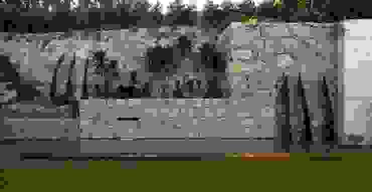 MitPenha: Jardins  por Atelier fernando alves arquitecto l.da,Moderno